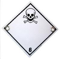 Gefahrenschild Klasse 6 giftig, mit Ösen
